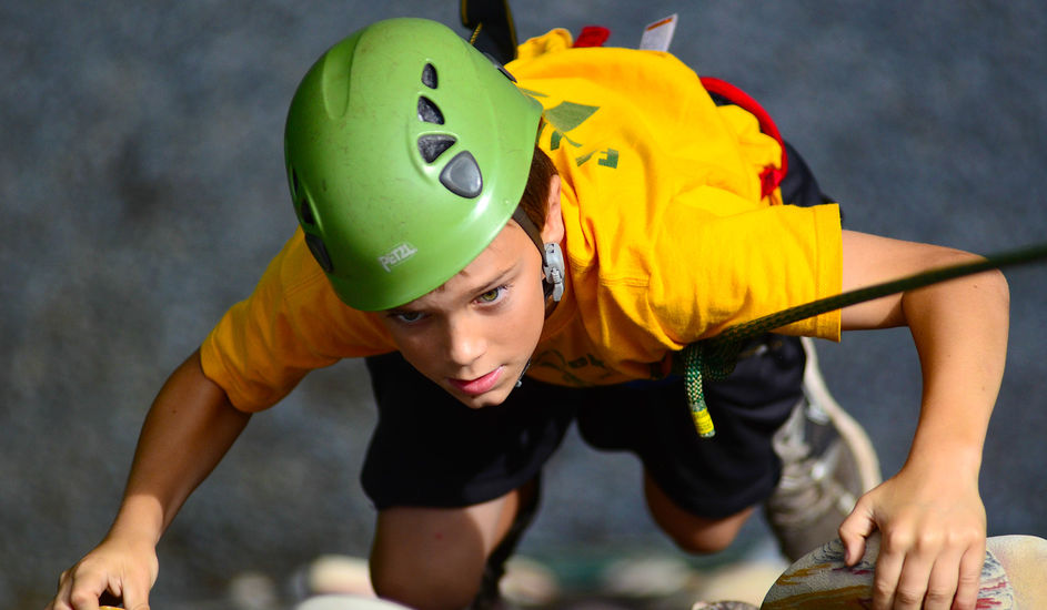 Nc-boys-summer-camp-climbing