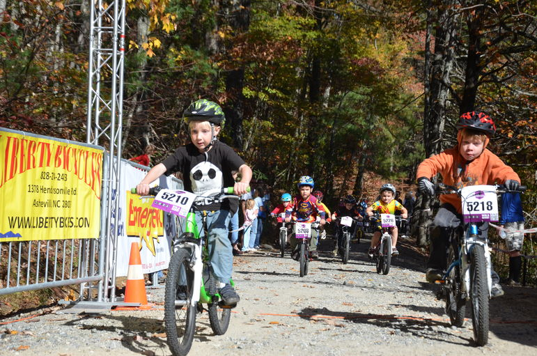 The 6 and Under Racers Push Hard To The Finish