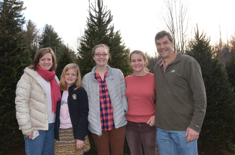 Marisa, Mary, Annie, Lucy and Yates Pharr happy to have found their 2012 family Christmas Tree