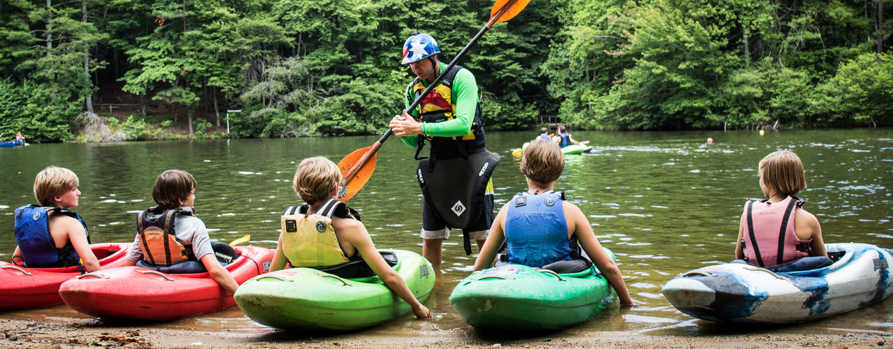 Teaching-kayaking-at-camp