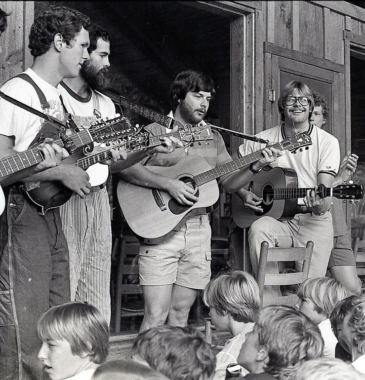 Dave, Walt, Donnie, and Steve in the same order, playing the same song, 42 years earlier (1976), in the exact same location