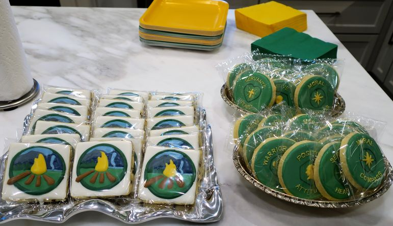 Cary presented some incredible custom cookies at the Greenville show!