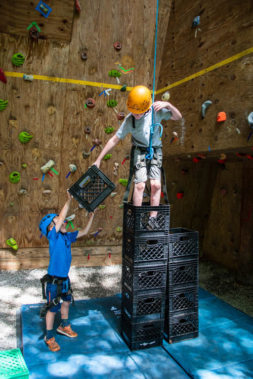 Crate stacking at the climbing wall - how high can you go?